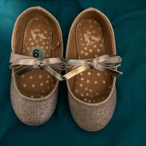 Other - Toddler 6 silver glitter shoe